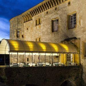 """Le domaine du Château #Bagnols vous offre son environnement business, adapté à tous types de réunions, où vous pourrez compter sur l'efficacité d'un personnel qualifié.. Réservez à tout moment. Conciergerie à disposition. - Vous souhaitez faire une réservation ? Agissez en cliquant au bas de ce Kub à """"Premier contact"""". 69560 #Saint-Romain-en-Gal"""