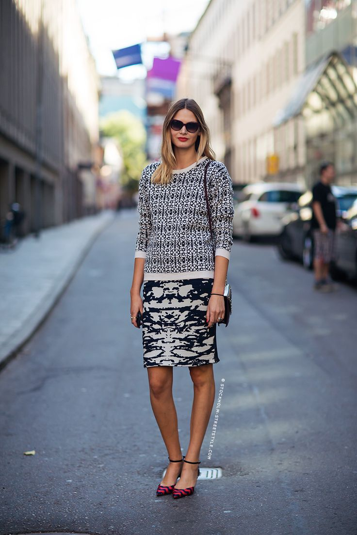 mixing prints in black and white