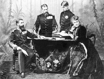 King Carol I of Romania with his brother Leopold, Prince of Hohenzollern, Leopold's son Ferdinand, who became heir to the throne of Romania in 1889, and Queen Elisabeth.