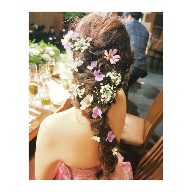 今、大人気のブライダルヘアといえば《ラプンツェル風ヘア》!おしゃれ花嫁さんたちから絶大な人気を誇り、ブームが巻き起こっています☆* 今回は、結婚式や前撮りで《ラプンツェル風ヘア》を取り入れたいプレ花嫁さんのために、トレンドの3スタイルをまとめてみました♪ ぜひ、参考にしてみてくださいね♡