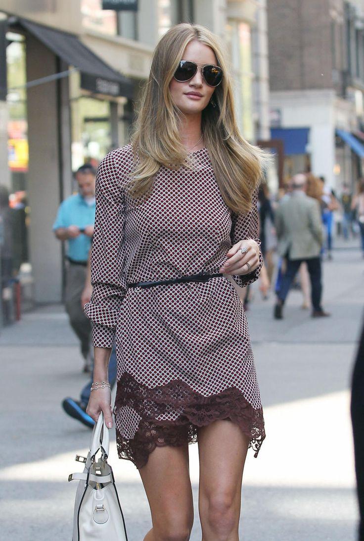 Supermodellen imponerer med sin stilsikre klessmak.