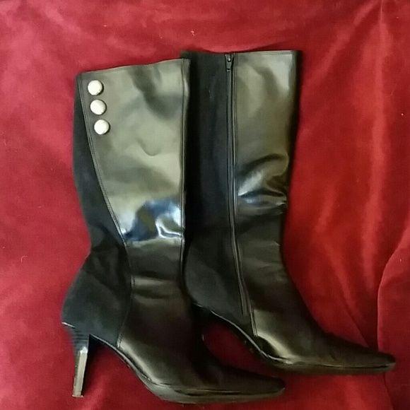 Ladies black boots EUC faux leather black boots prediction Shoes