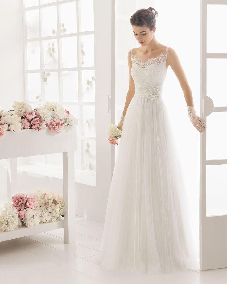 Vestido de noiva de renda e tule com brilhantes. Coleção 2016 Aire Barcelona noiva