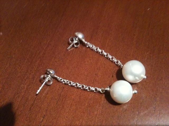 Pendientes Perlas biwa, con plata Pedidos. mundofabi@gmail.com