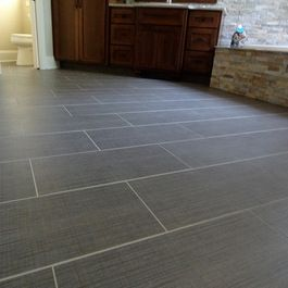 Love how neutral the gray tile floor is!