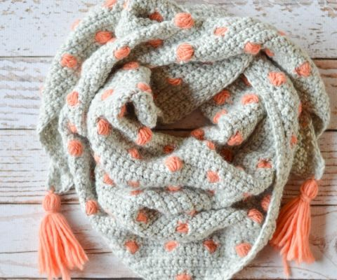 19 Free Patterns for Pretty Crochet Scarves - You can never have enough scarves! Make yourself a new one with this list of free crochet scarf patterns.