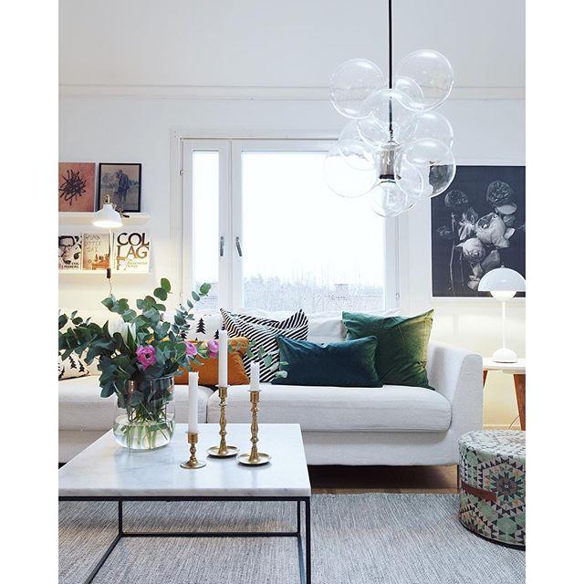 Vill egentligen ha en grön soffa men det får duga med kuddar så länge. Finns massa fina på HM Home just nu