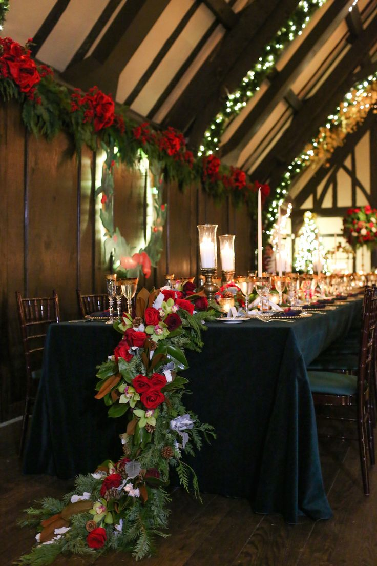Christmas-Theme Wedding With Festive Red & Green Décor In