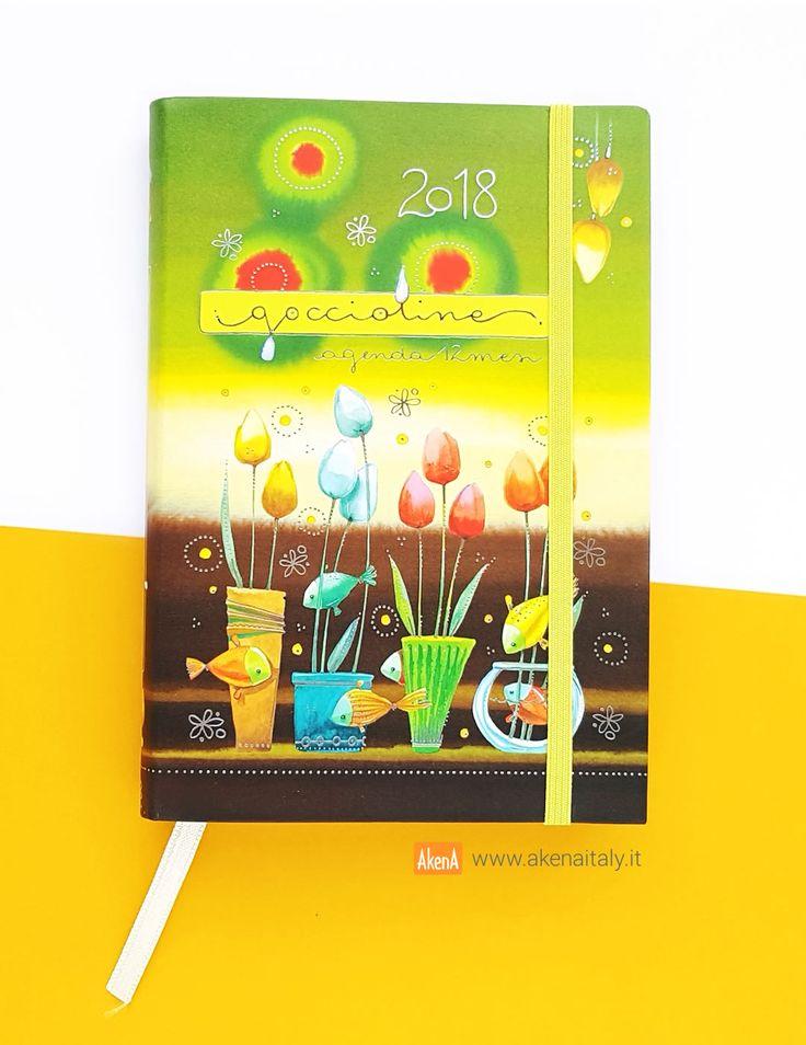 Agenda giornaliera 12 mesi 2018 con copertina morbida verde e marrone illustrata con tulipani e pesciolini e decorata con dettagli in lamina d'argento