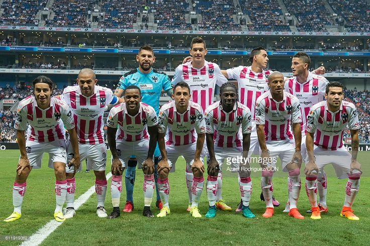 Players of Monterrey pose prior the 12th round match between Monterrey and America as part of the Torneo Apertura 2016 Liga MX at BBVA Bancomer Stadium on October 01, 2016 in Monterrey, Mexico.