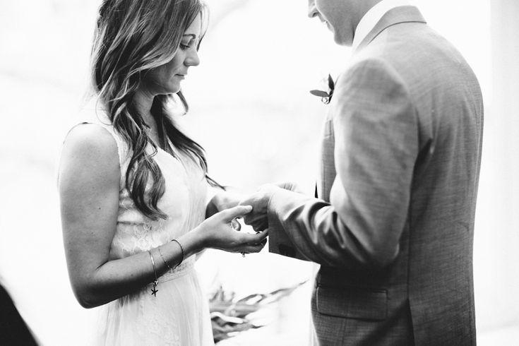 Gorgeous Seattle courthouse wedding pics