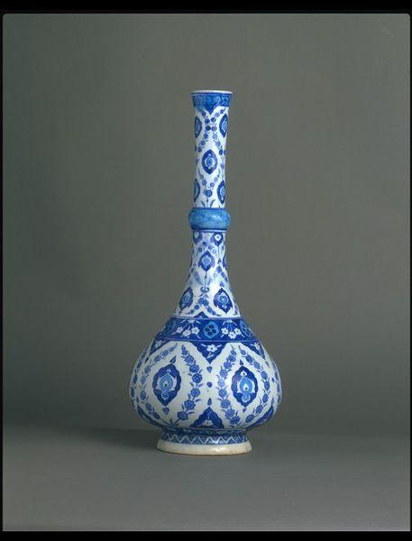 Bottle      Place of origin:      Iznik, Turkey (probably, made)     Date:      1535-1540 (made)