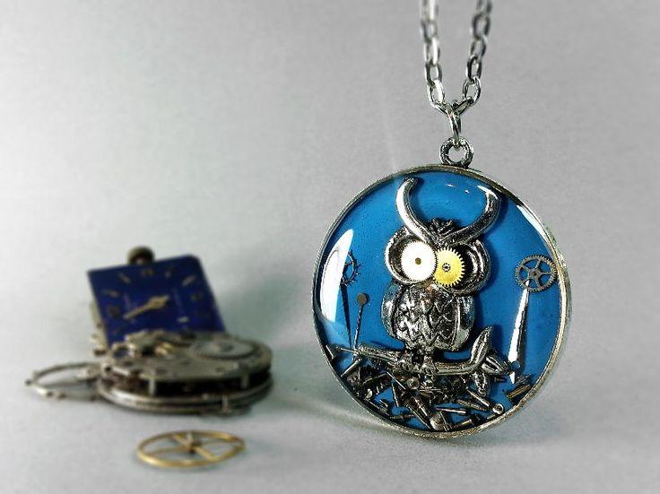 Pandantiv bufnita cu piese de ceas steampunk, buha, bufnita albastra