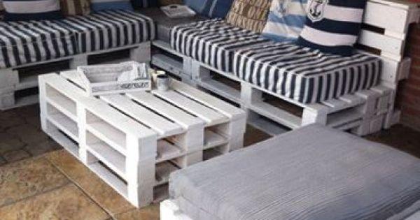 Heerlijk komende zomer in de tuin zitten op een tuinbank van pallets | Deck tips | Pinterest | Furniture, Pallet patio and So cute