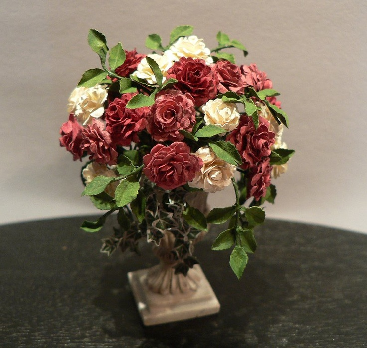 17 best images about a 1 12 scale miniature flower for Small rose flower arrangement
