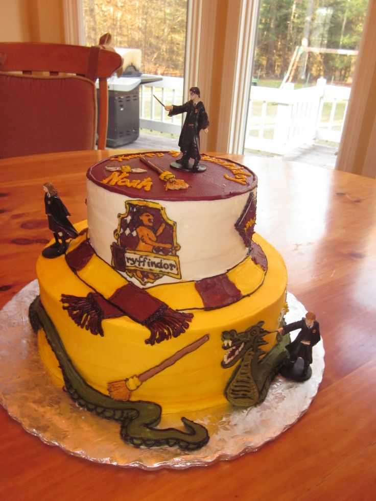 435 best Harry Potter Cakes images on Pinterest Harry potter