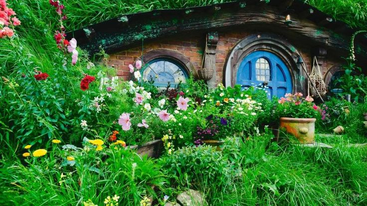 Lord of the Rings fans should take the time to visit the Hobbiton Movie Set in Matamata