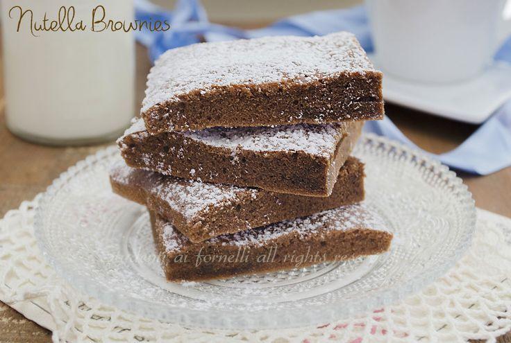 Nutella brownies velocissimi con soli 3 ingredienti http://blog.giallozafferano.it/studentiaifornelli/nutella-brownies-velocissimi-con-soli-3-ingredienti/