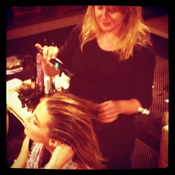 Touch ups on Jen Hawkins using the fabulous H2D curling wand    Photo by michmcquillan • Instagram