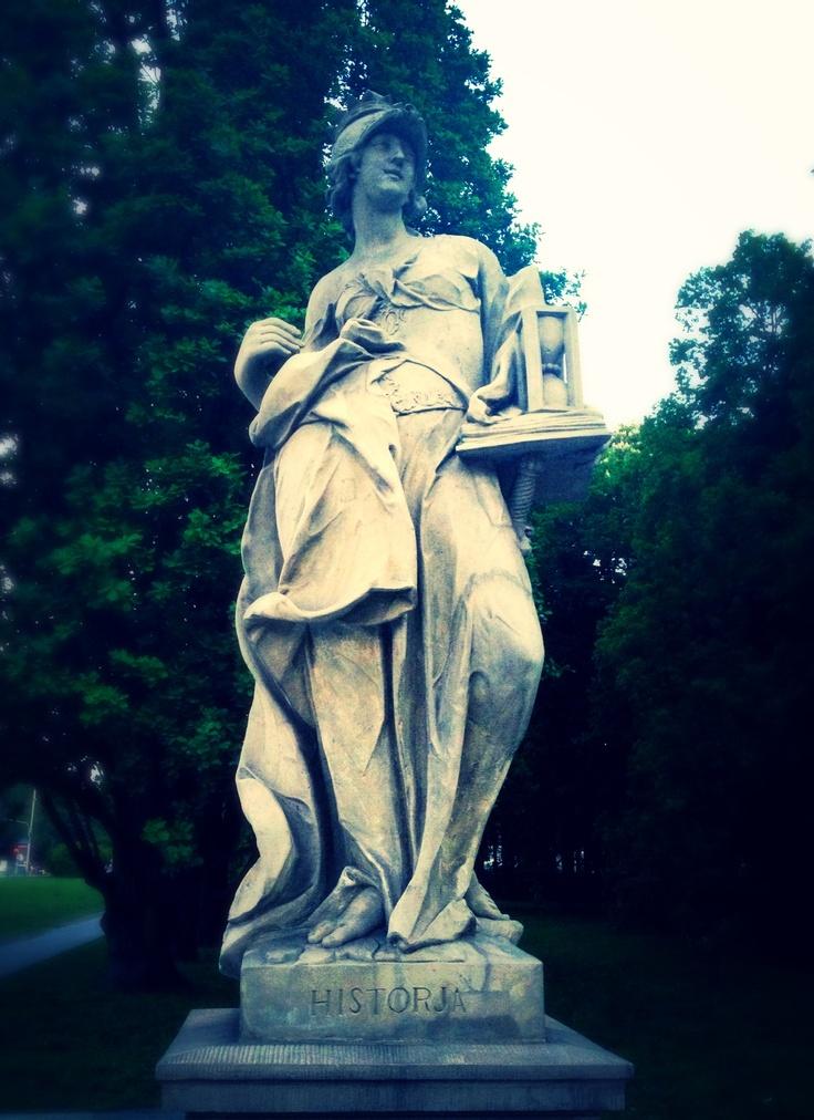 Lady History, Warsaw