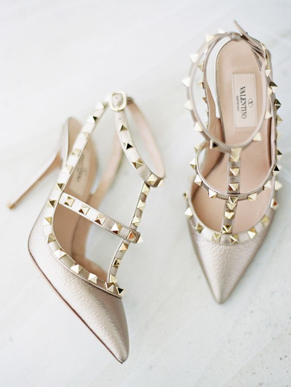Zapatos de novia : Valentino : Foto, Ryan Ray Photography : Tendencias de Bodas Magazine