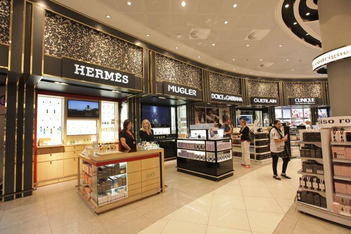 James Richardson duty free shop by Umdasch Shopfitting, Tel Aviv – Israel » Retail Design Blog