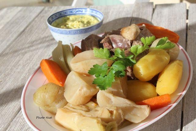"""Pot-au-feu """"Cookeo"""" Pour 4 personnes Ingrédients : - 1 Kg de viande à pot au feu (Plat de côte-Paleron-Collier) - 2 oignons - 300g de navets - 350g de carottes - 500g de pommes de terre (à chair ferme) - 200g de blancs de poireau - 1 branche de céleri..."""