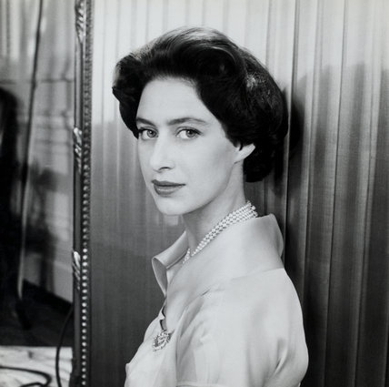 Princess Margaret - stuunning in simple cut shirt