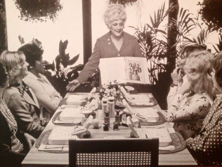 What a neat photo... Mary Kay conducting a Skin Care Class...always leading by example!