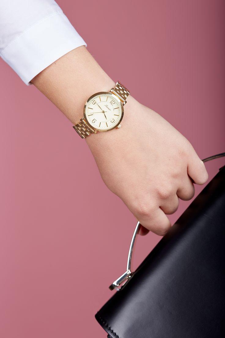 Meškanie nikdy nikomu nesvedčalo, či už ženám alebo mužom. #lumir #lumirhodinky #hodinkylumir #lumirwatch #watchlumir #watch #fashion #women #hodinky #slovakia #slovensko