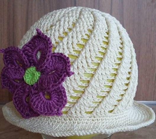 Háčkovaný letní klobouček