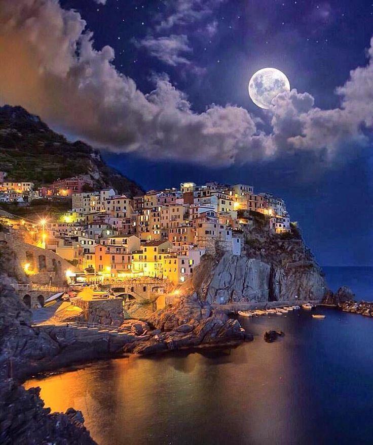 Yarın Sabah Uyandığınızda,  Gönlünüzden Geçen Her Güzel Şeyin Hayalden Çıkıp,Gerçeğe Dönüşmesi Dileğiyle... aminn      :)