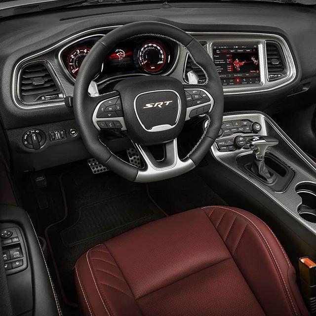 Dodge Challenger Srt Hellcat Redeye 2019 O Que Ja Era Endiabrado Ficou Pior A Linha 2019 Do D Dodge Challenger Interior Dodge Challenger Dodge Charger Hellcat