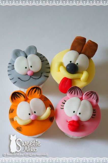 2D Garfield and friends cupcakes by SweetieNeko Homemade Sweets, via Flickr