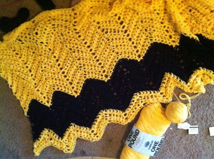 Chevron Pattern Charlie Brown Blanket Using Large Crochet