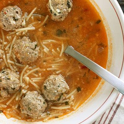 Spaghetti and turkey meatball soup ! skinnytaste.com