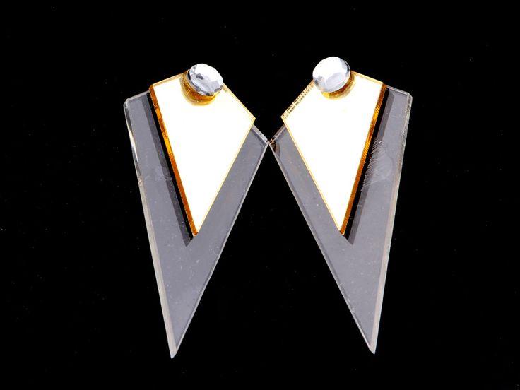 Boucles d'oreilles imposantes de forme géométrique Achetez en ligne et payez à la livraison. Livraison rapide sur toute la Tunisie! http://www.misha.tn/boucles-d-oreilles/83--boucles-d-oreilles-imposantes-de-forme-geometrique.html