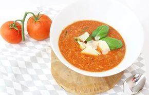Ook fan van tomaten soep én van kippensoep? Probeer dan eens deze heerlijke zelf gemaakte tomaten kippensoep! Dat is weer eens wat anders dan tomatensoep met ballen!