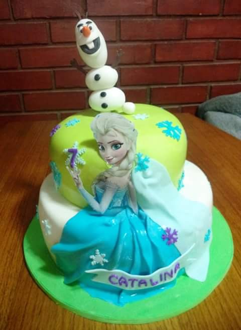 #Frozen #Elsa #olaf #fondant #cake by Volován Productos  #instacake #puq #Chile #VolovanProductos #Cakes #Cakestagram #SweetCake