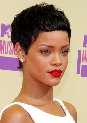 Rihanna Short Pixie Hairstyle - Rihanna's Short Haircuts: Best Styles Over the Years