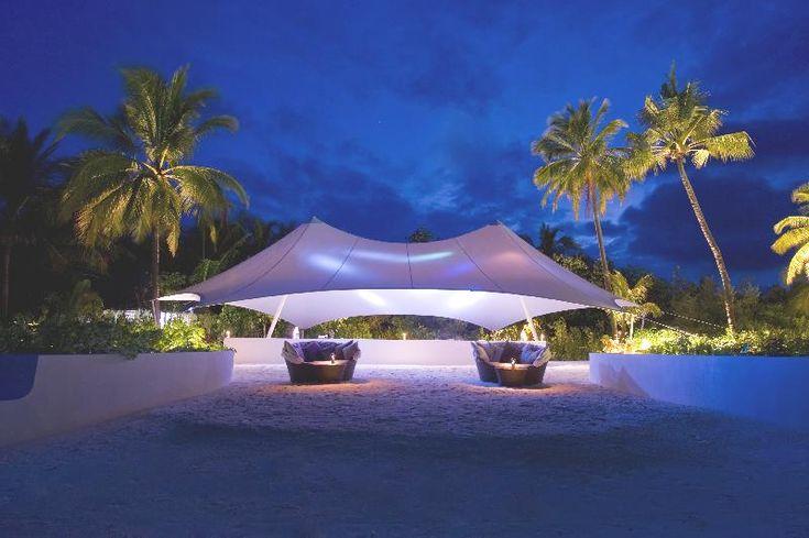Serge ferrari fabric lightweight structure for an for Hotel conrad maldives ubicacion