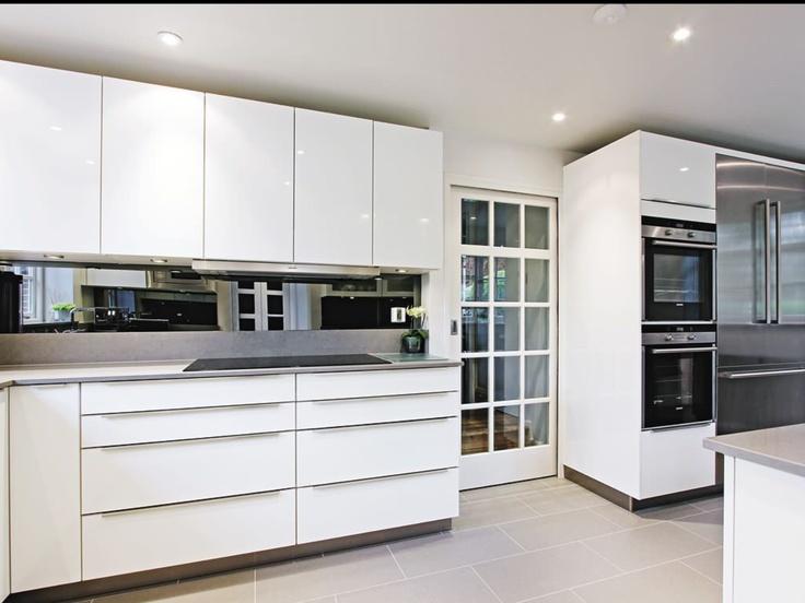 Kitchen Cabinets, High Gloss White