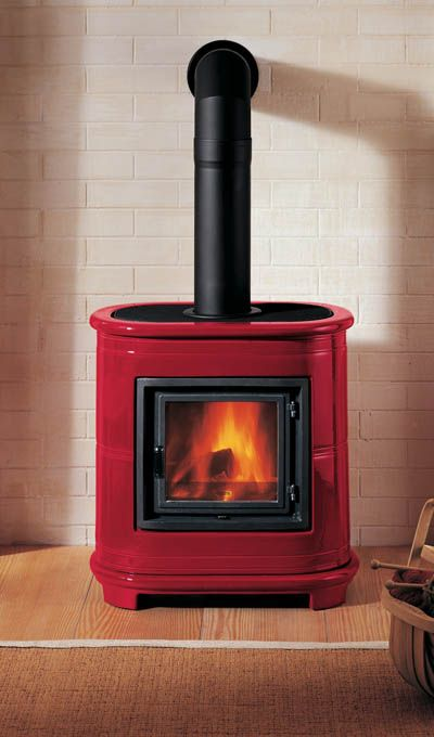 Easy to install home heating | PIAZZETTA E 905 | Calore #fireplace #freestandingfireplace #heating