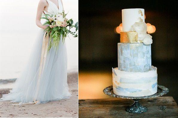 Coastal wedding cake by Hey There Cupcake left, image rightTamara Gruner Photography via Wedding Sparrow.