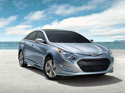 Updated 2013 #Hyundai #Sonata #hybrid has better MPG, a bigger battery, and cheaper price tag http://www.westbroadhyundai.com/sonata-hybrid-landing-page.htm