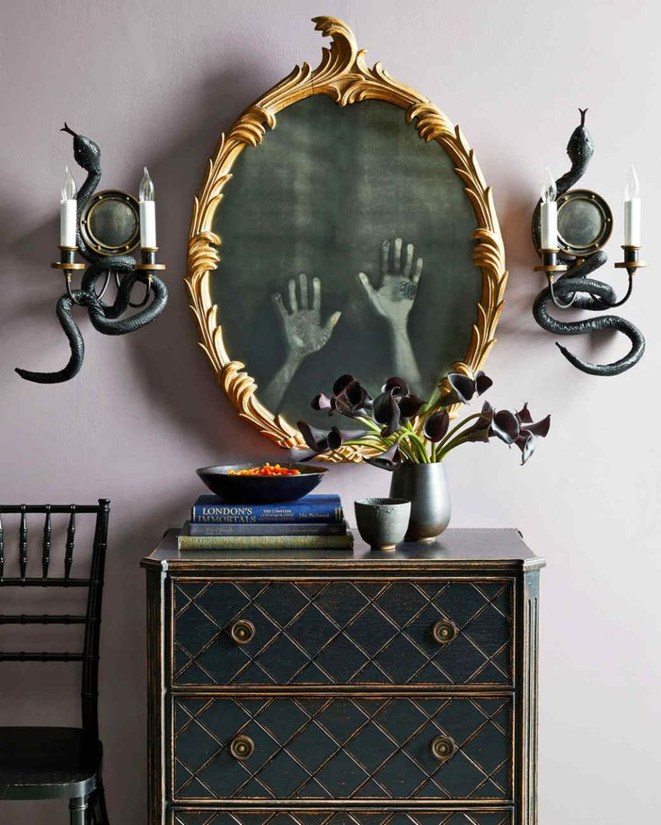 Haunted Mirror with Ghost Hands in 2020 Fun diy