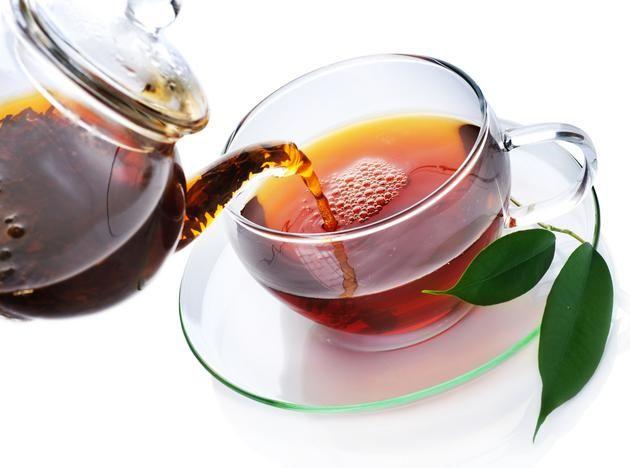 Düzenli çay keyfi, soğuk kış günlerinde rahatlatırken aynı zamanda bağışıklık sistemini güçlendirir. Ancak yalnızca papatya çayı değil. Zencefil, adaçayı veya aloe vera lezzetli çay çeşitleridir. Otlar birçok kişiyi cezbetmektedir. Sadece deneyin. Her zevke göre bir bitk…
