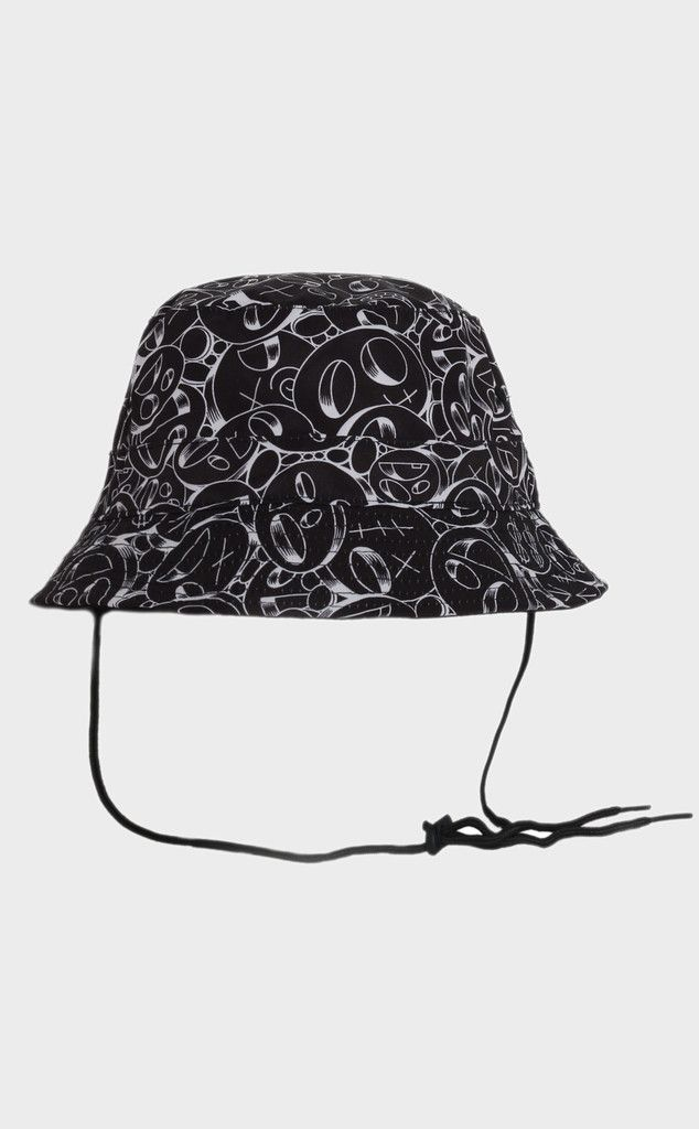Alpha bucket hat with string -$35.00 USD