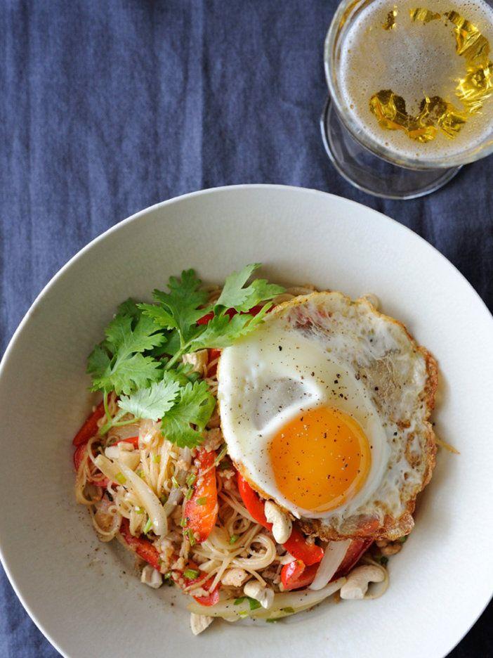 インドネシアのジョグジャカルタ出身の日本在住外国人が教えてくれた、ご当地アイデアそうめん。野菜もたっぷり食べれてうれしい。>「外国人に聞きました! そうめんのアレンジ・レシピを教えて!」特集TOPに戻る|『ELLE a table』はおしゃれで簡単なレシピが満載!