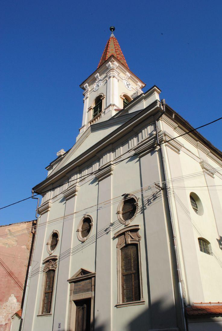 Sibiu_Biserica_reformata_(6).jpg (1944×2896)